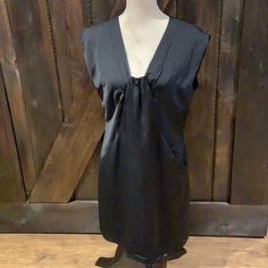 Como black dress